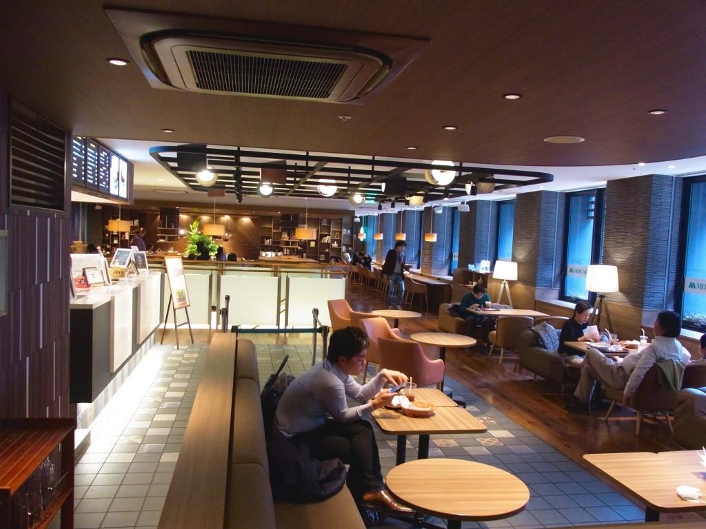 モスカフェ烏丸六角店2階