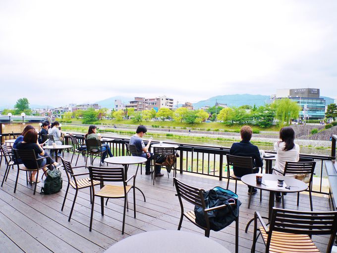 リラックスできる環境_スターバックス京都三条大橋店