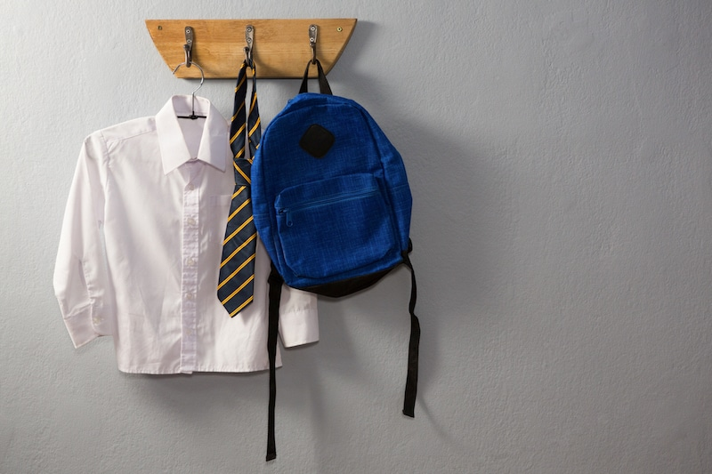 preparation-school-uniform-hanging-bag