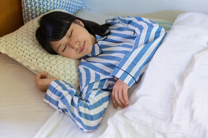 sleeping-bed-women-student-bed-pajama