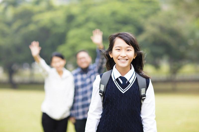 students-women-leaving-smiling-parent-family