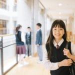 中高生学校帰りイメージ